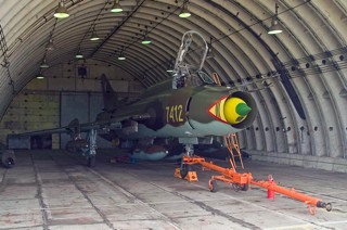 Su-22M-4, 7412, 33 BL / 7 ELT ready for service in a HAS at Powidz